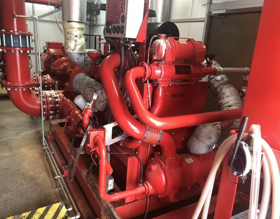 marine-service-doosan-v8-engine-repair